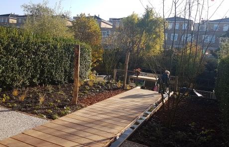 tuin met waterloop